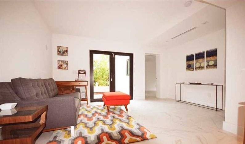 Villas de luxe 621 northeast 56th st miami fl 33137 for Acheter une maison a miami