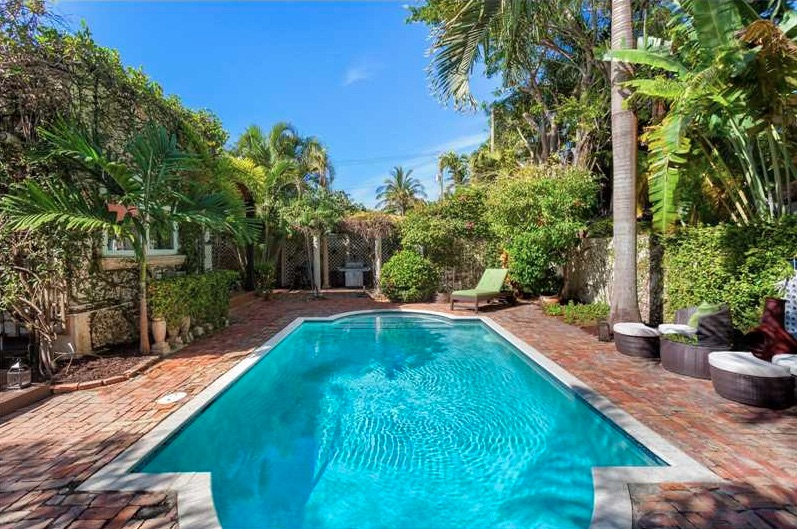 Villas de luxe 325 west 30th st miami fl 33140 mls for Acheter maison miami